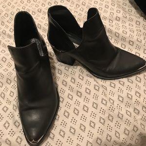 Steve Madden black booties